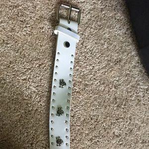 Accessories - Skull and crossbones belt, white